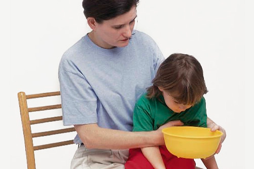 Первая помощь при рвоте у ребенка в домашних условиях